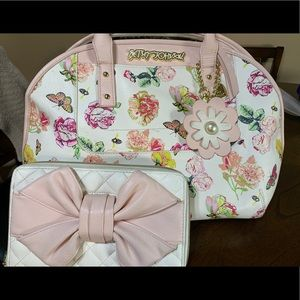 Floral betsy Johnson purse